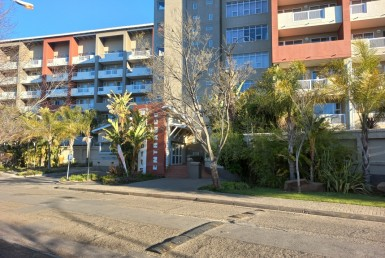 2 Bedroom Apartment / Flat  For Sale in Universitas   1330046   Property.CoZa