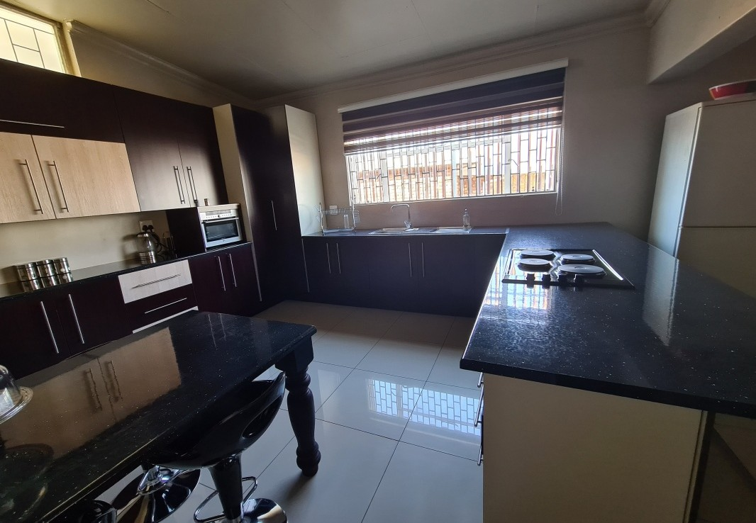 8 Bedroom   For Sale in Laudium | 1330589 |  Photo Number 9