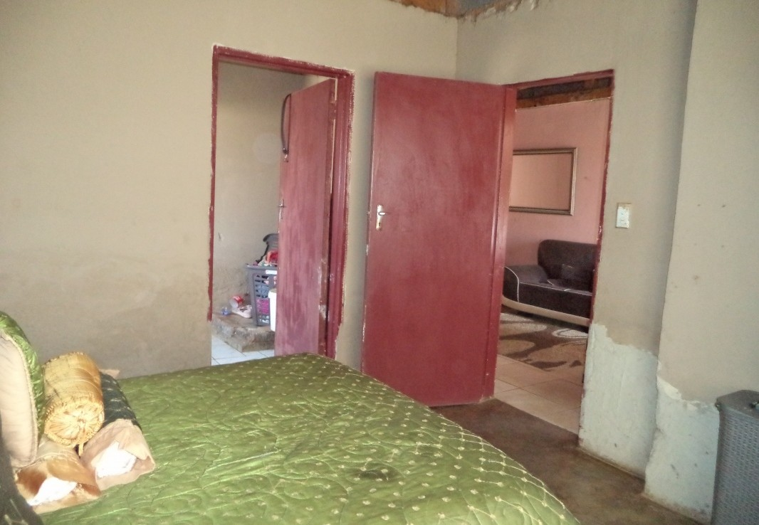 3 Bedroom   For Sale in Daveyton   1330800    Photo Number 11