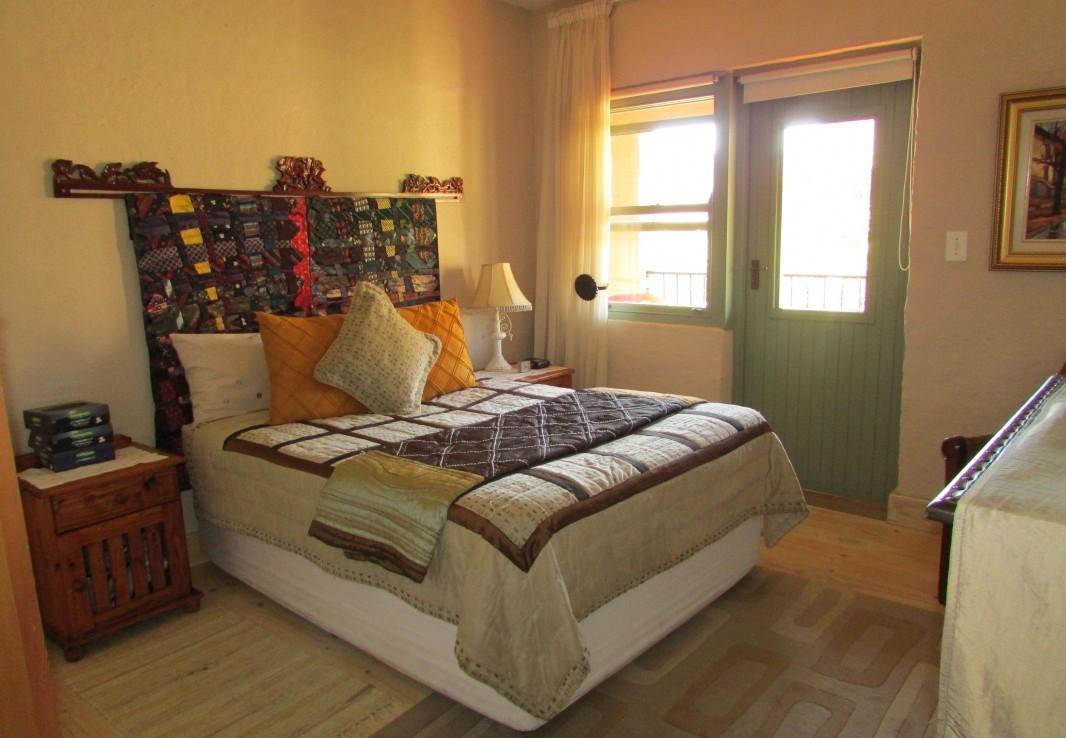 4 Bedroom   For Sale in Clarens   986723    Photo Number 25