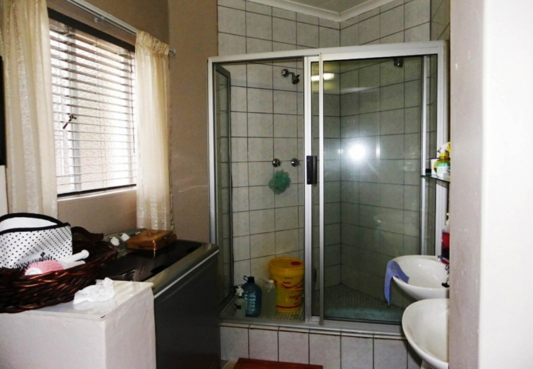 6 Bedroom   For Sale in Harrismith | 1064269 |  Photo Number 13
