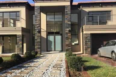 5 Bedroom House  To Rent in Blue Valley Golf Estate | 1279173 | Property.CoZa