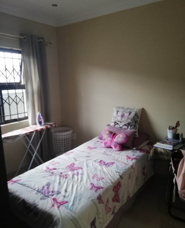 3 Bedroom   For Sale in Clare Estate   1253274    Photo Number 9