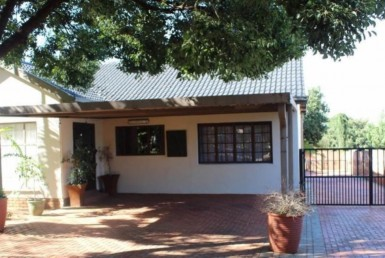 3 Bedroom House  For Sale in Dennesig | 1219942 | Property.CoZa
