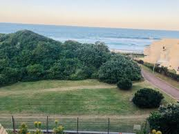 3 Bedroom Apartment / Flat  For Sale in Umhlanga Rocks | 1288324 | Property.CoZa