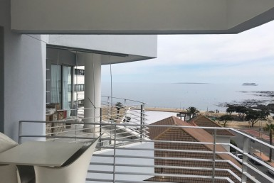 2 Bedroom Apartment / Flat  For Sale in Sea Point | 1287737 | Property.CoZa