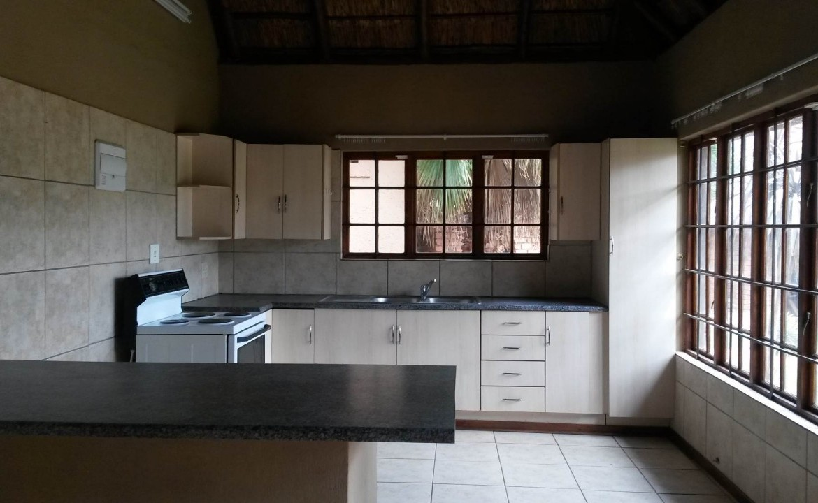 12 Bedroom   For Sale in Rietfontein   1285031    Photo Number 24
