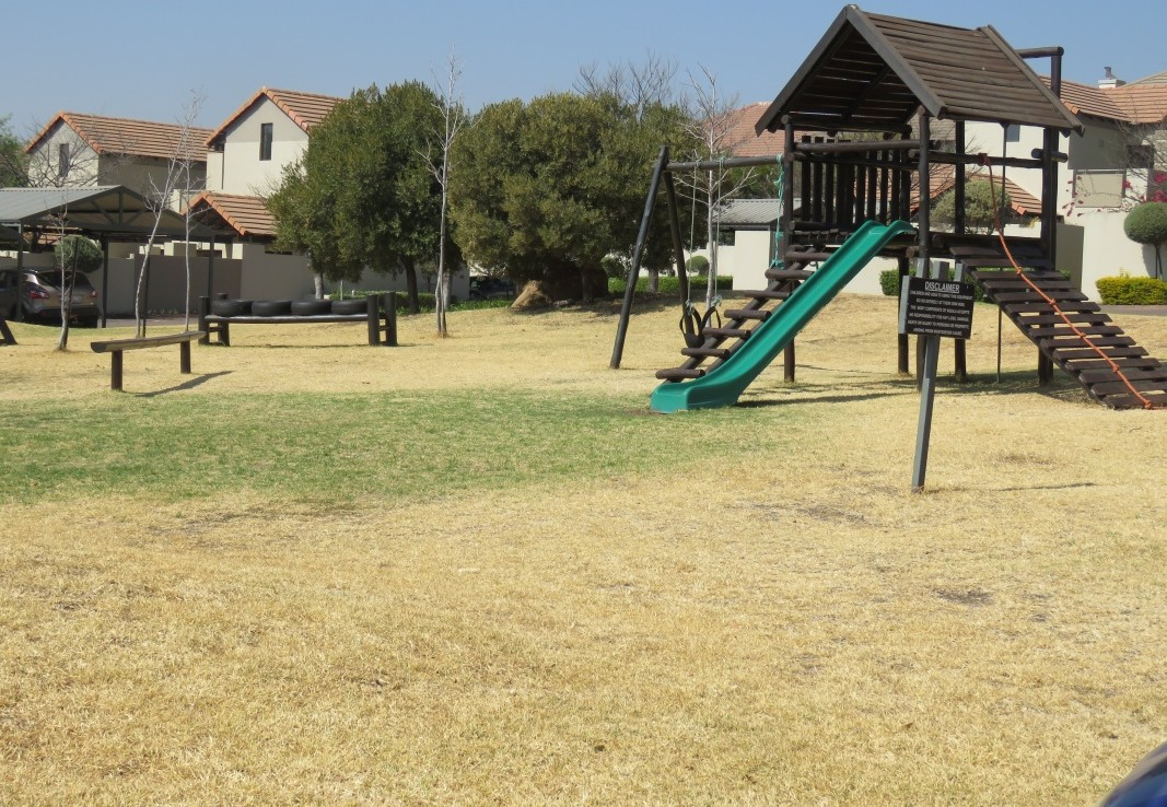 2 Bedroom   For Sale in Fourways   1292342    Photo Number 14