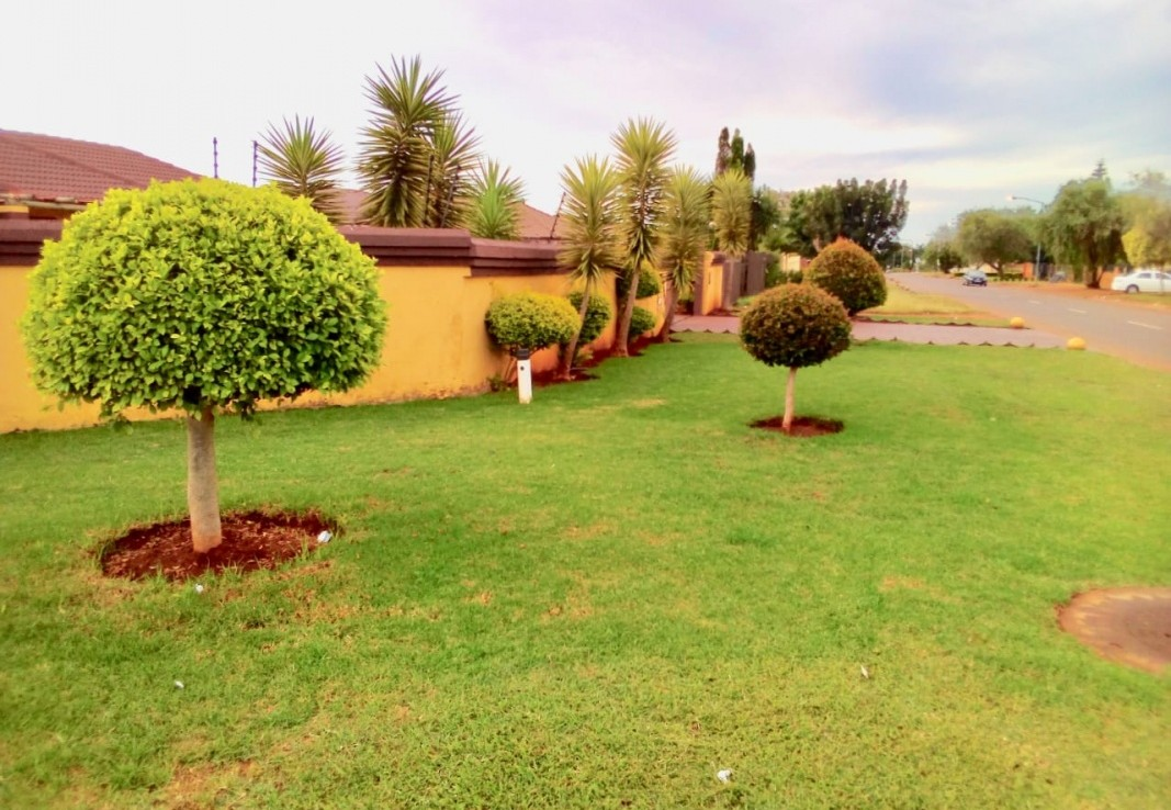 3 Bedroom   For Sale in Chantelle   1293116    Photo Number 24
