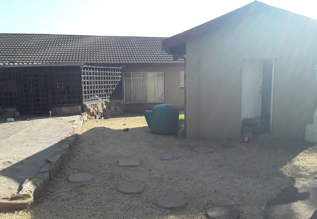 3 Bedroom   For Sale in Witbank Ext 6   1293547    Photo Number 1