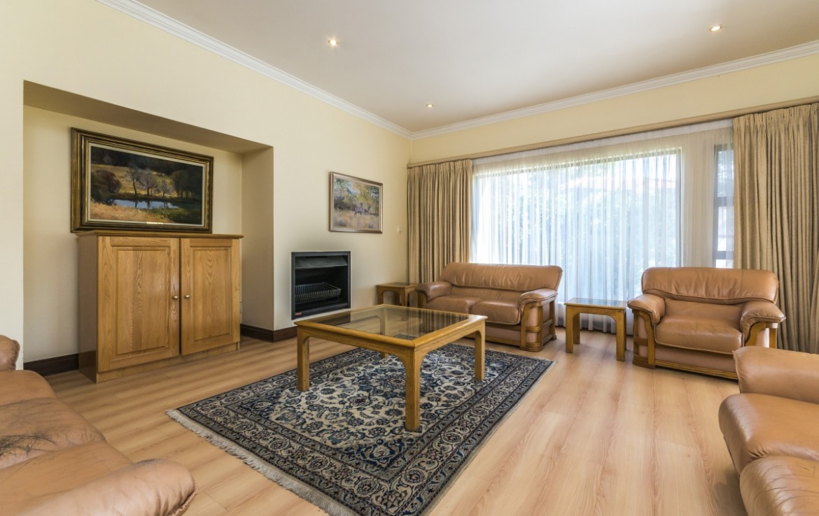 house-for-sale-northcliff-1294084-photo_6.jpeg