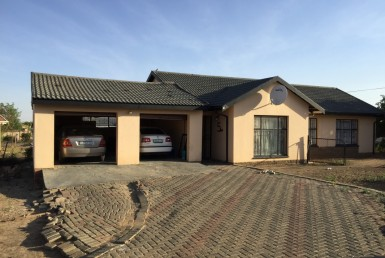3 Bedroom House  For Sale in Lourierpark | 1294514 | Property.CoZa