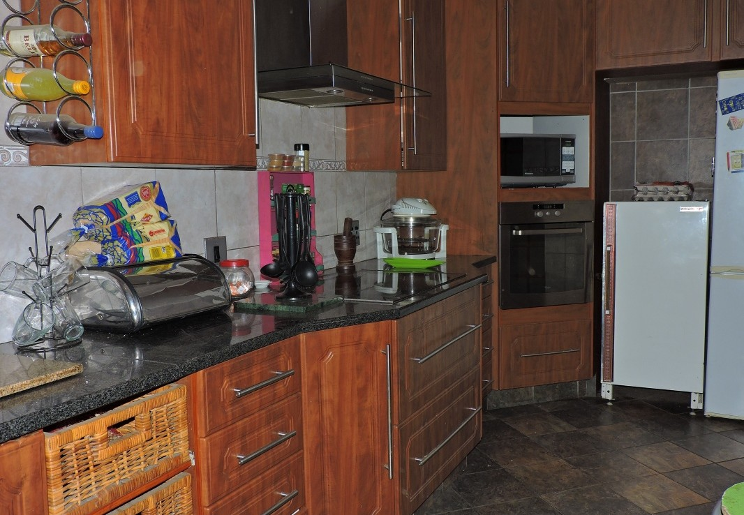4 Bedroom   For Sale in Hoeveld Park Ext 1 | 1294587 |  Photo Number 2