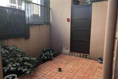 2 Bedroom Townhouse  For Sale in Windermere | 1275306 | Property.CoZa