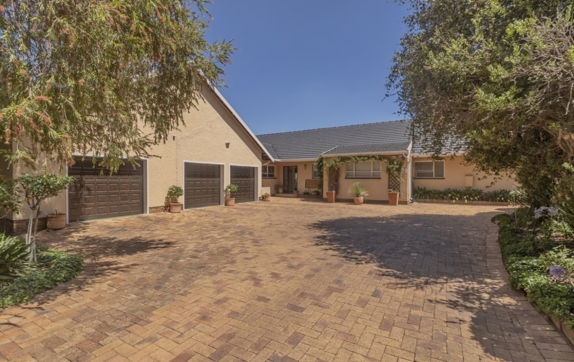 4 Bedroom   For Sale in Randpark | 1298611 |  Photo Number 1