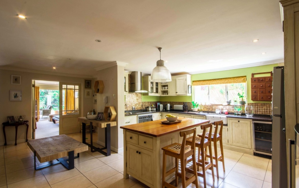 4 Bedroom   For Sale in Clovelly | 1299307 |  Photo Number 10