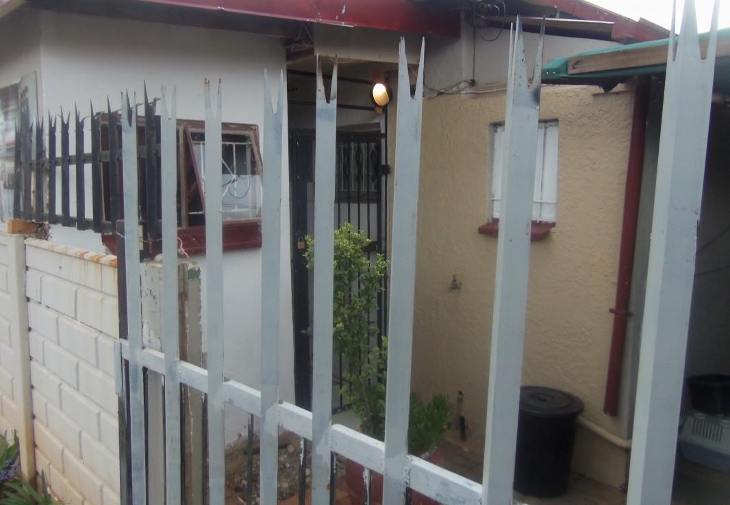 2 Bedroom   For Sale in Newlands | 1299445 |  Photo Number 9