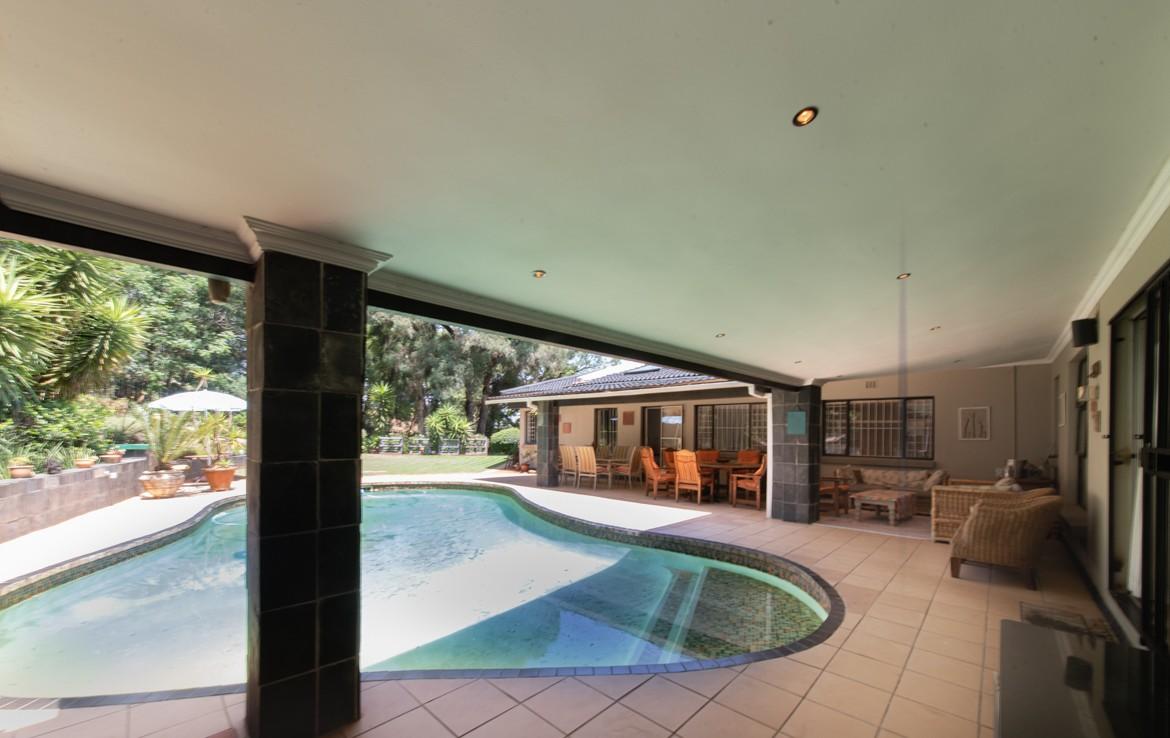 5 Bedroom   For Sale in Northcliff | 1299499 |  Photo Number 1