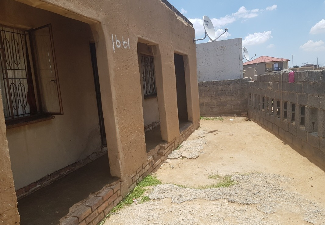 2 Bedroom   For Sale in Phomolong   1301955    Photo Number 10