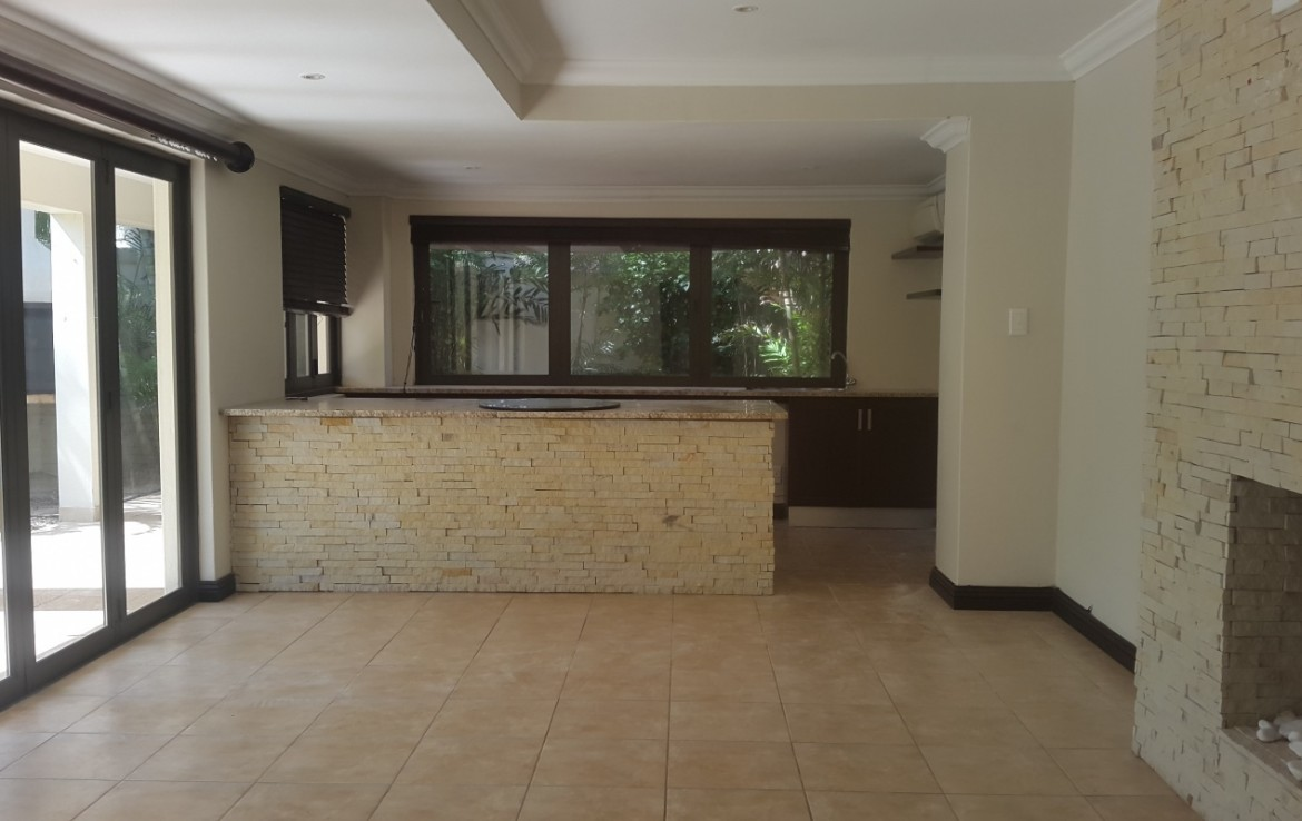 7 Bedroom   For Sale in Umhlanga   1302012    Photo Number 8