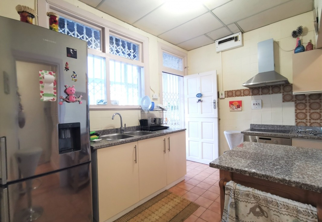 3 Bedroom   For Sale in Bulwer   1304961    Photo Number 11