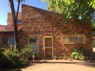 3 Bedroom   For Sale in Ficksburg | 1305688 |  Photo Number 3