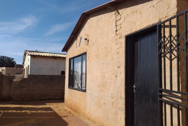 2 Bedroom House  For Sale in Ivory Park Ext 10 | 1307095 | Property.CoZa