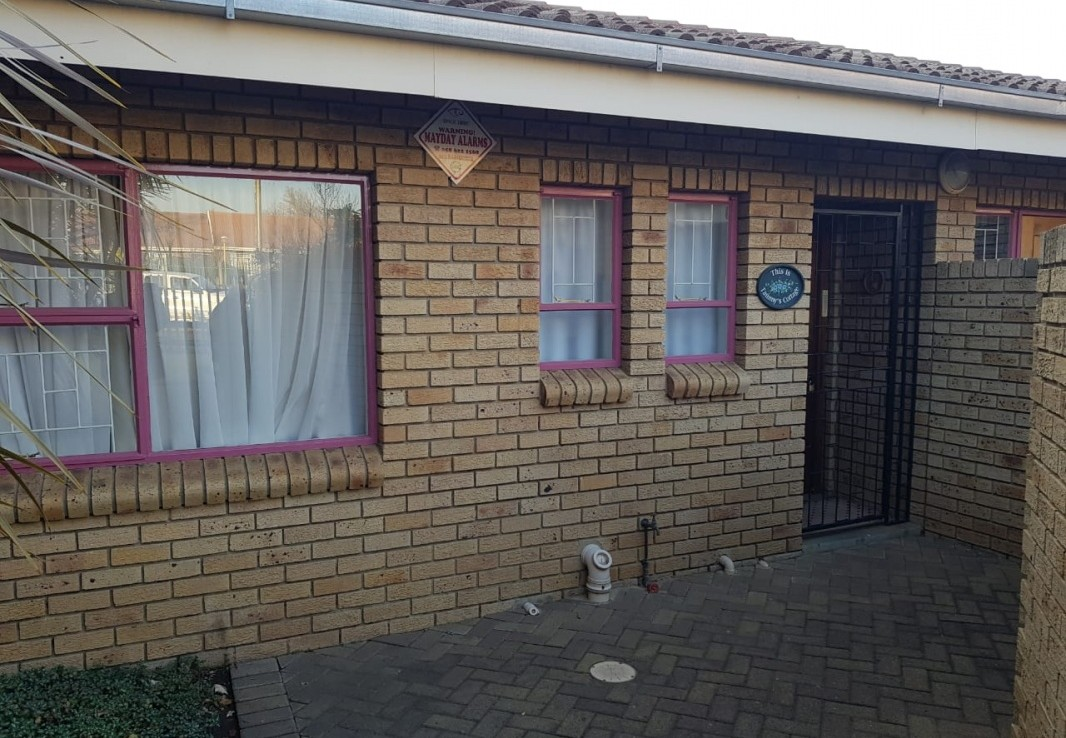 2 Bedroom   For Sale in Harrismith | 1307168 |  Photo Number 18