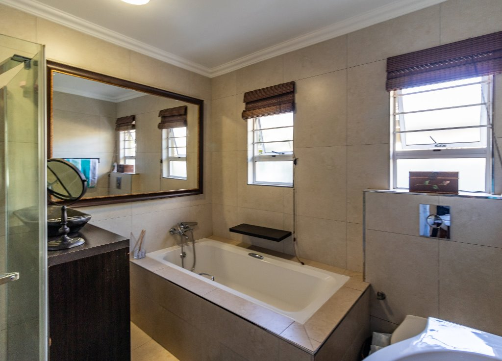 4 Bedroom   For Sale in Durban North | 1308129 |  Photo Number 21