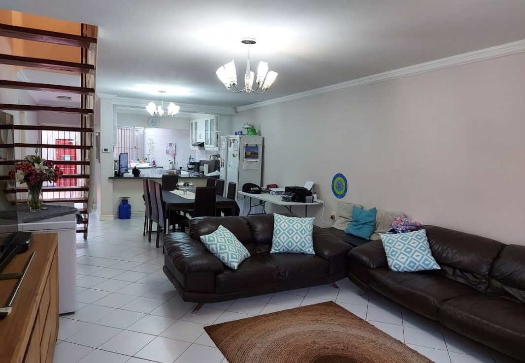 3 Bedroom   For Sale in Musgrave | 1308615 |  Photo Number 3