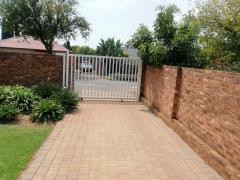 2 Bedroom   To Rent in Hurlyvale | 1308639 |  Photo Number 2