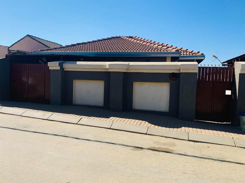 2 Bedroom   For Sale in Tembisa | 1309184 |  Photo Number 23