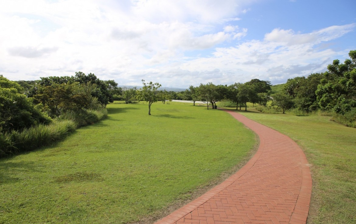 For Sale in Sheffield Beach   1310500    Photo Number 14