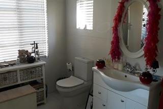 4 Bedroom   For Sale in Albertville | 1311952 |  Photo Number 12