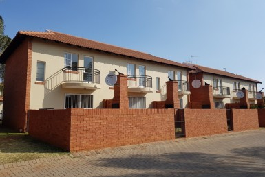2 Bedroom Townhouse  For Sale in Montana | 1312082 | Property.CoZa