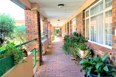 3 Bedroom Retirement Village  For Sale in Rosebank | 1312557 | Property.CoZa
