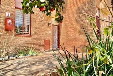 2 Bedroom Townhouse  For Sale in The Hill | 1312602 | Property.CoZa