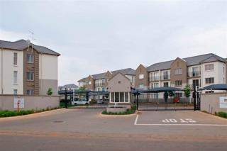 2 Bedroom Apartment / Flat  For Sale in Klippoortjie | 1312695 | Property.CoZa