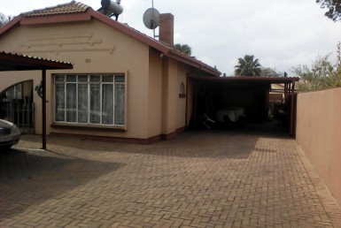 10 Bedroom House  For Sale in Kempton Park Ext 2 | 1312785 | Property.CoZa