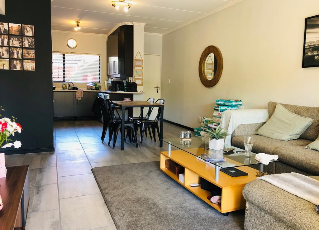 2 Bedroom   For Sale in Douglasdale | 1313159 |  Photo Number 3