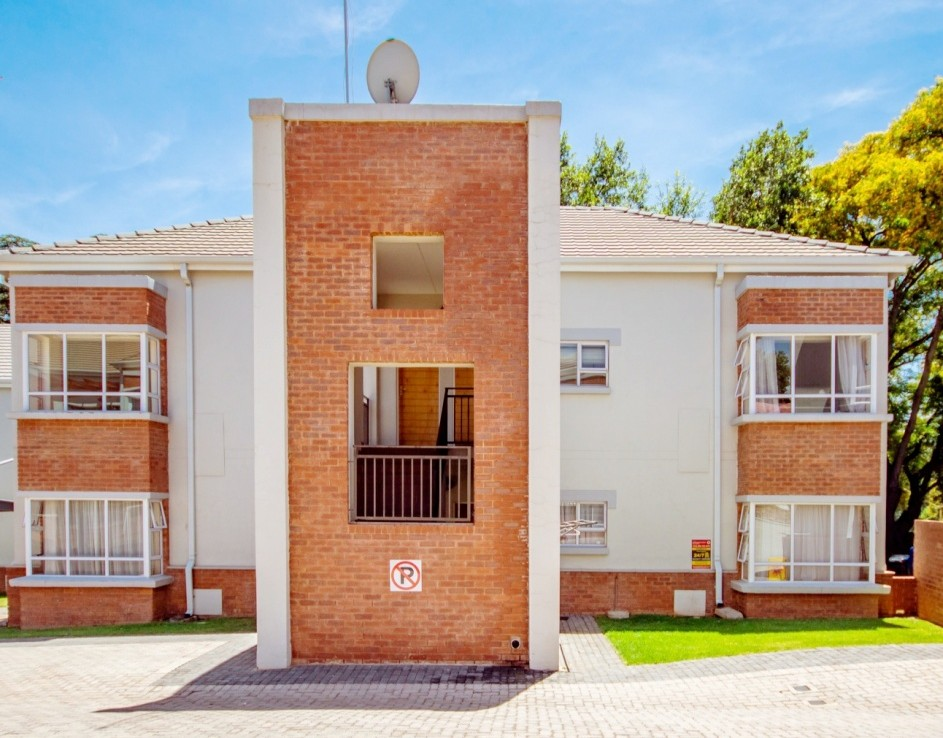 2 Bedroom   For Sale in Parkview   1313261    Photo Number 9