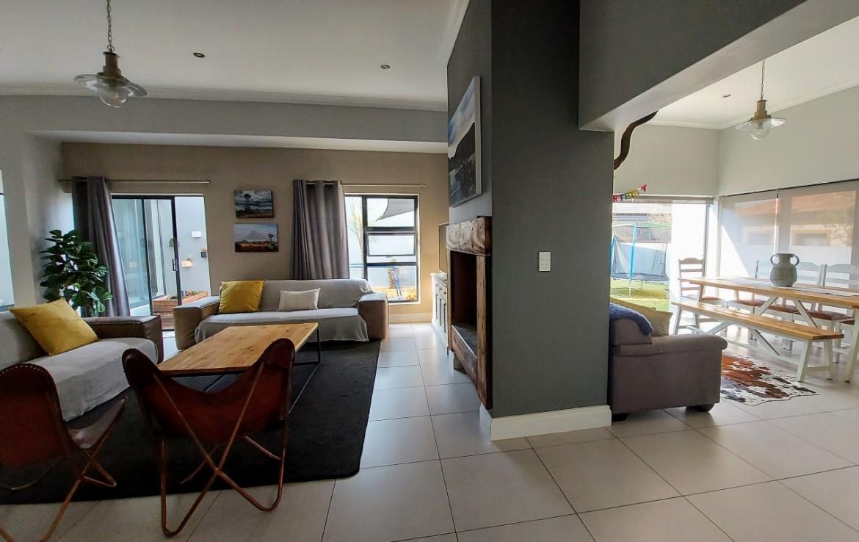 5 Bedroom   For Sale in Midlands Estate | 1313421 |  Photo Number 4