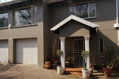 6 Bedroom House  For Sale in General Alberts Park | 1314015 | Property.CoZa