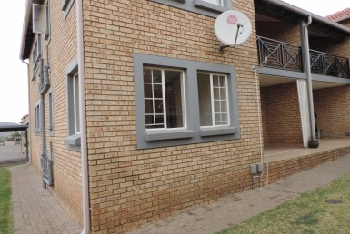 3 Bedroom Townhouse  For Sale in Meyersdal | 1314197 | Property.CoZa