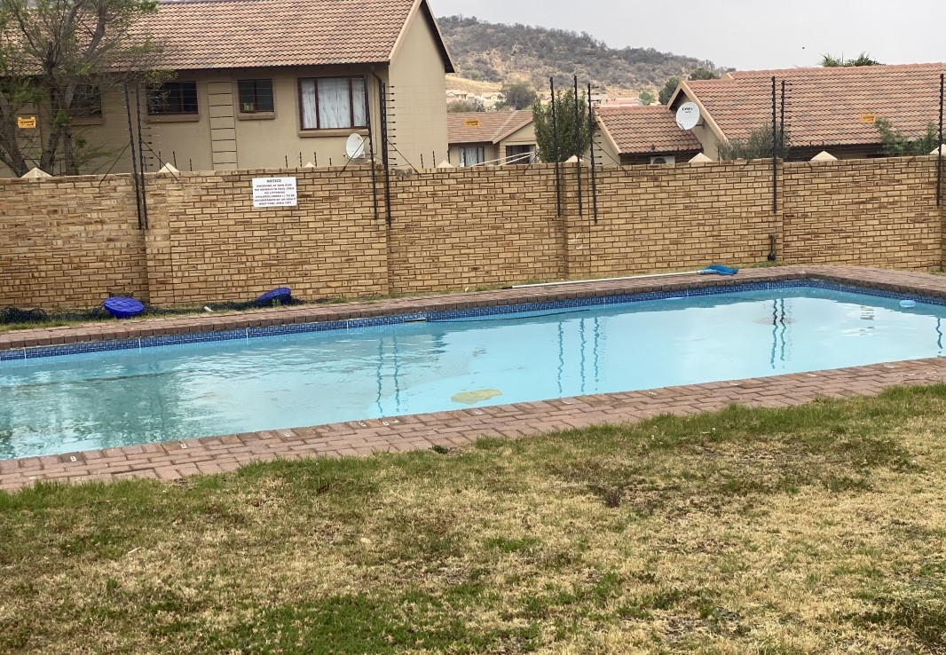 2 Bedroom   For Sale in Meredale | 1314696 |  Photo Number 22