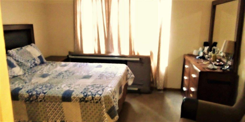 2 Bedroom   For Sale in Duvha Park   1315777    Photo Number 13