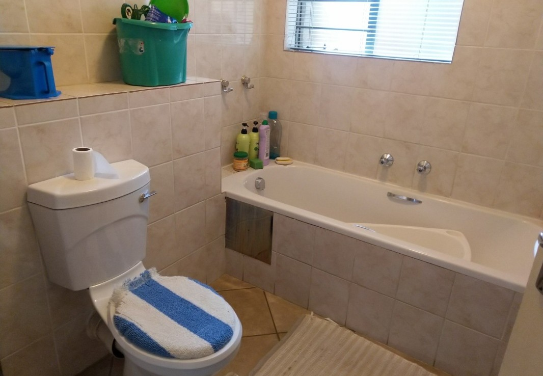2 Bedroom   For Sale in Birchleigh | 1315802 |  Photo Number 8