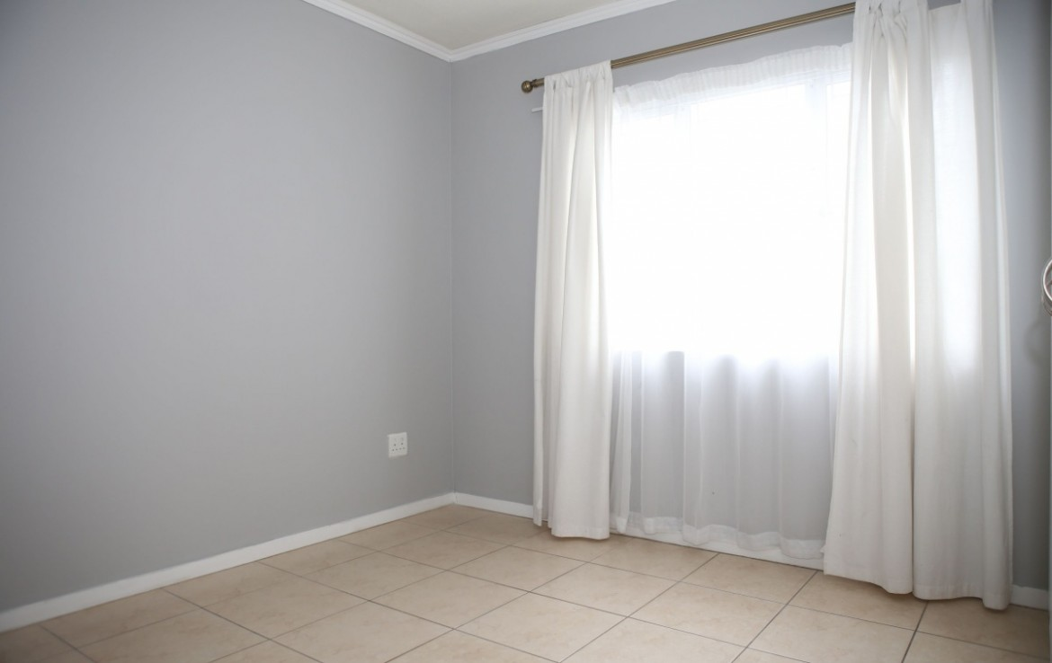 2 Bedroom   For Sale in Manor Estates   1316233    Photo Number 8