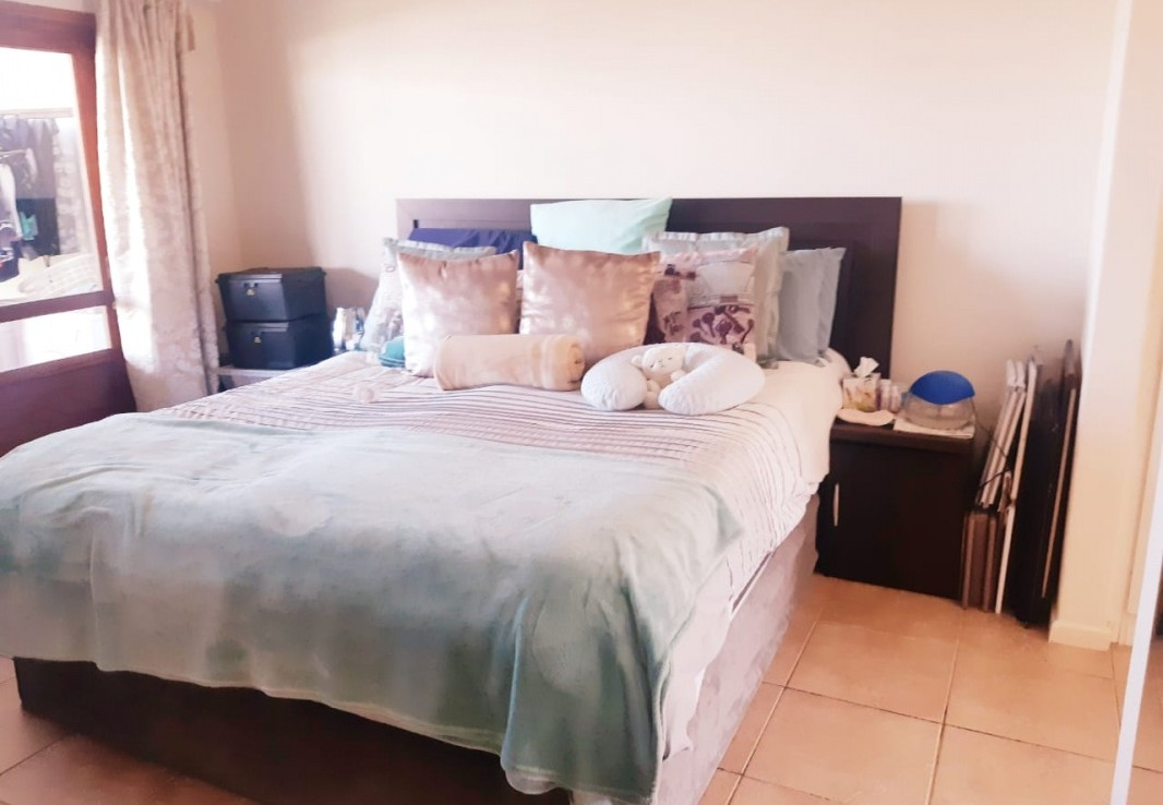 3 Bedroom   For Sale in Wakenshaw Estate   1316513    Photo Number 6