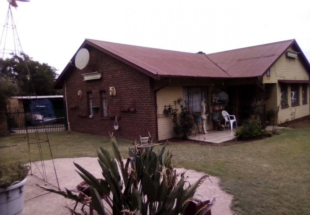 3 Bedroom   For Sale in Witbank Ext 8 | 1316610 |  Photo Number 4